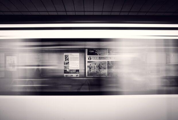 Dlaczego warto zainwestować w materiały reklamowe POS