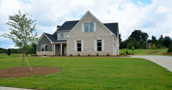 Jak dobrze sprzedać dom, jak ustalić cenę domu