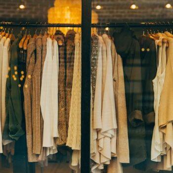 Co powinieneś wiedzieć, planując wyposażenie swojego sklepu odzieżowego